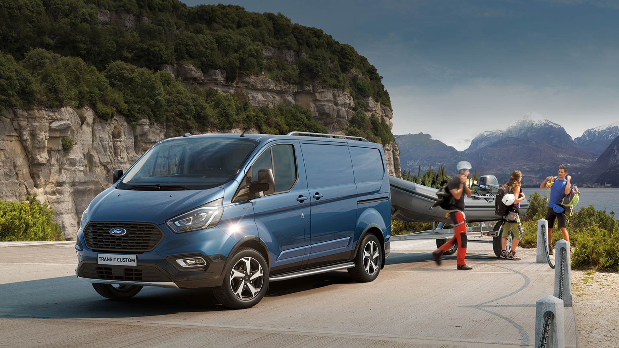 Ford Transit Custom Active with group of people